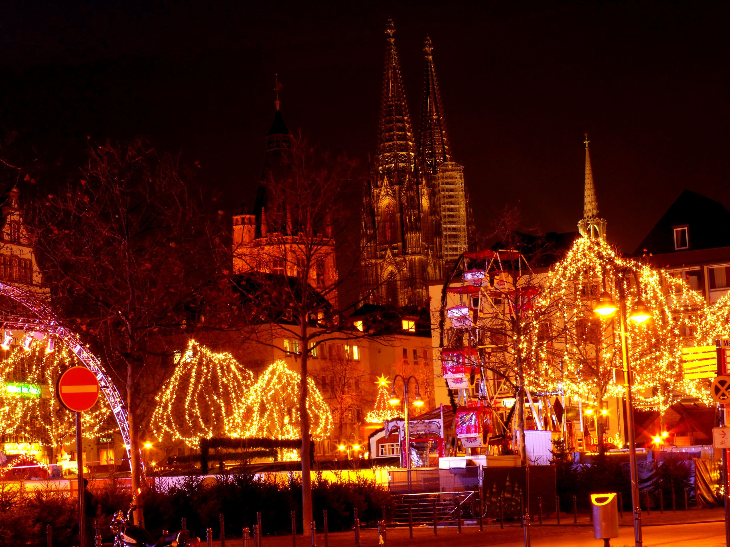 Christmas-market-Altstadt-Nord-Cologne-Germany